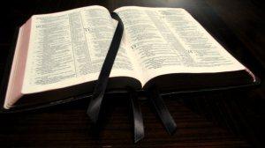 Biblia deschisa
